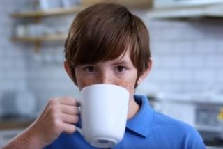 İlk Defa Kahve İçen Çocuğun Tepkisi