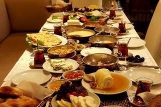 Kavacık'taki En Zengin Kahvaltı Mekanı: Meşhur Van Kahvaltı Dünyası