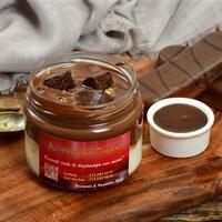 Brownie, Nutella ile cam kavanozda servis edilir.