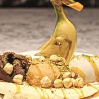 Muzlu,Çikolatalı,Karamelli dondurma,Muz,Karamel sos,Fındık,Fıstık ve Tatlı krema