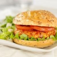 160 Gr. tavuk göğsü, kıvırcık, domates, turşu, soğan, patates, yeşillik, b.b.q sos
