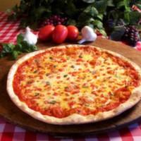160 Gr. pizza hamuru, 40 gr. domates sos, 120 gr. mozarella peyniri, zeytin, mısır