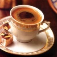 Türk kahveniz lokum ile servis edilir.