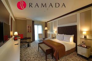 Ramada Hotel & Suites Merter'de Çift Kişilik Konaklama Seçenekleri