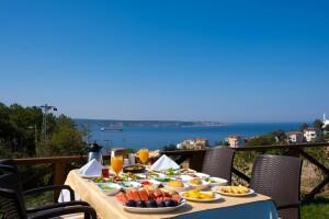 Beykoz Taşlıhan Butik Otel & Restaurant'ta Boğaza Nazır Kahvaltı Keyfi