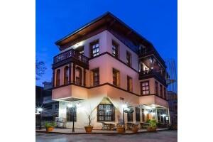 Büyükada Yalı Butik Otel'den Çift Kişi 1 Gece Kahvaltı Dahil Konaklama