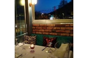 Park Balık & Et Restaurant'ın Şık Atmosferinde Akşam Yemeği