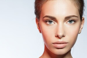 White Plus Güzellik'te Kalıcı Makyaj Uygulamaları