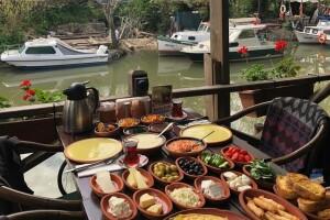 Çömlekçi Hasan Usta Cafe Resto'dan Çömlekte Köy Kahvaltısı