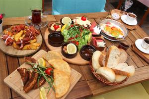 Demetevler Keyfimin Kahvesi'nde Enfes Köy Kahvaltısı