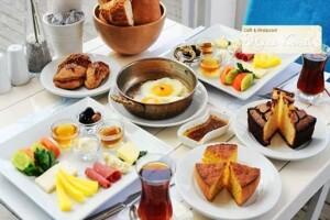 Kadıköy Beyaz Konak'ta Enfes Sinide Kahvaltı Menüsü