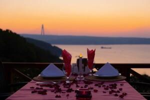 Beykoz Taşlıhan Butik Otel & Restaurant'ta Boğaza Nazır Akşam Yemeği