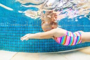Olimpik Spor Yüzme Kulübü'nde Çocuk/Yetişkin Yüzme Eğitimi