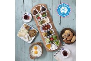 Kartal İstmarina AVM Alaçatı Muhallebicisi'nden Serpme Kahvaltı Keyfi