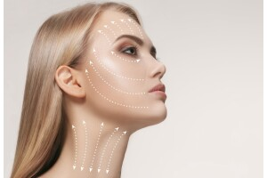 Net - Fit Güzellik'te Dermasonic ile Maske Göğüs ve Dekolte Bakımı