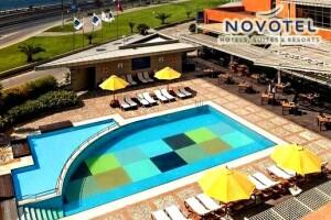 Novotel Istanbul Zeytinburnu'da Havuz ve Yemek Menüsü Seçenekleri