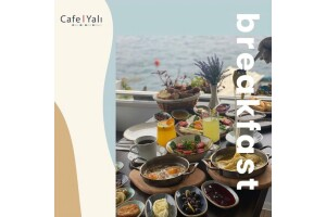 Yeniköy Yalı Cafe Restaurant'da Boğaz Manzarası Eşliğinde Zengin Serpm