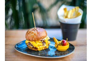 Kafika Cihangir'de Birbirinden Lezzetli Burger ve Taco Menüleri