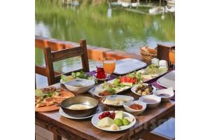Mints Hotel Ağva'da Nehir Kenarında Serpme Köy Kahvaltısı