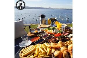 Boss Man Sahil Cafe'de Şömine ve Göl Kenarında Nefis Kahvaltı