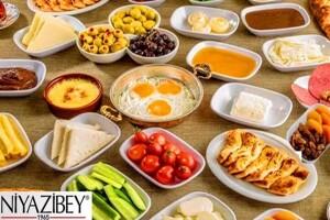 Niyazibey Marina Viaport'tan Zengin Serpme Kahvaltı Menüsü