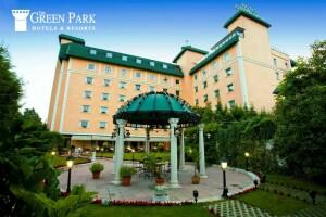 The Green Park Hotel Merter'de Tek veya Çift Kişilik Konaklama